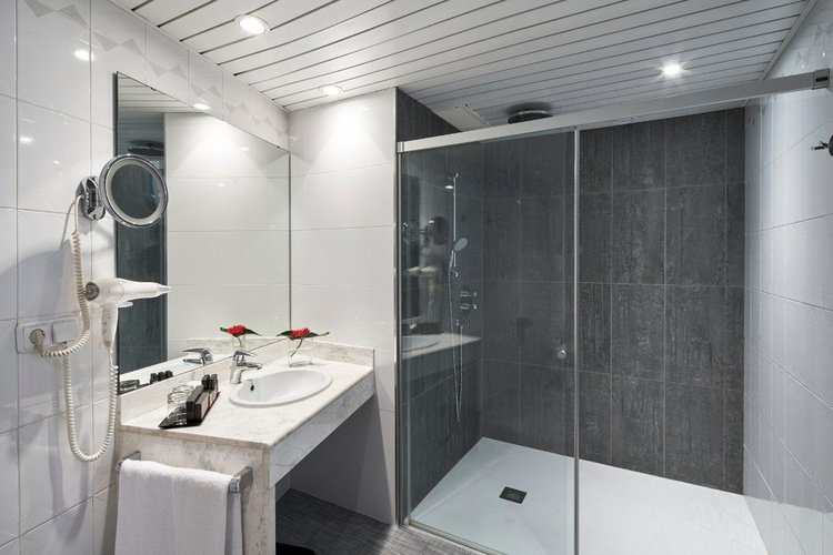 Salle de bains hôtel ciutat de granollers
